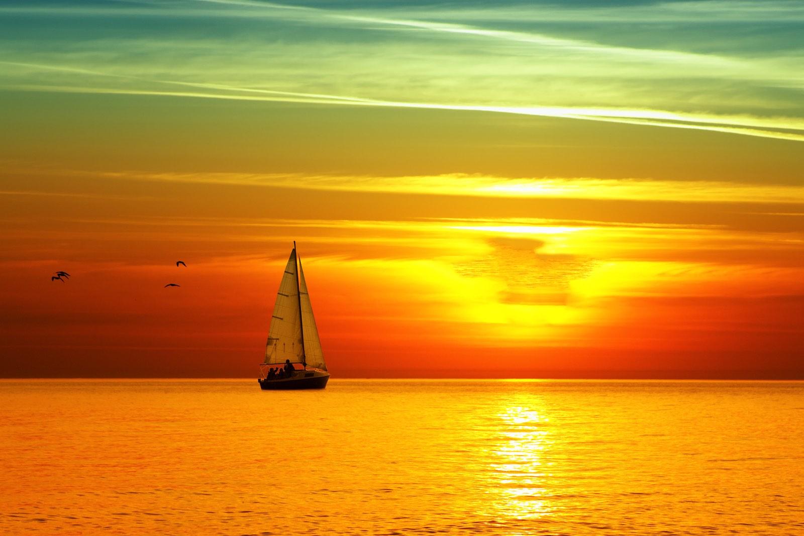 bigstock-Beautiful-sea-sunset-16465760